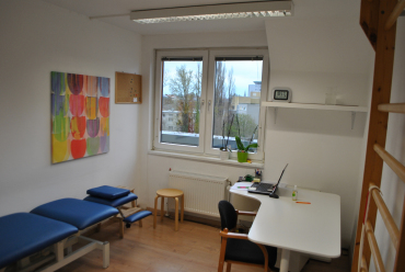 Ritterstr-Behandlungsraum-6-Etage-3